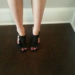 Black kelly and Katie heels